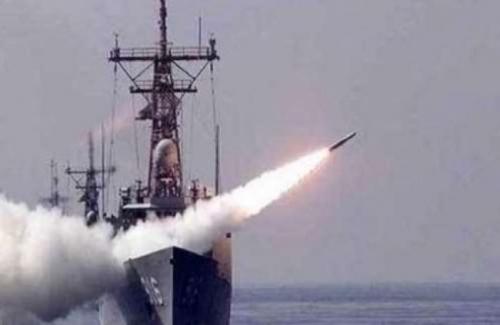 بوارج التحالف تفاجئ الحوثيين شمال الحديدة بهذا الأمر