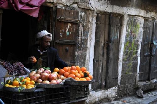 بسبب ضرائب المليشيات..ارتفاع أسعار الخضروات بصنعاء