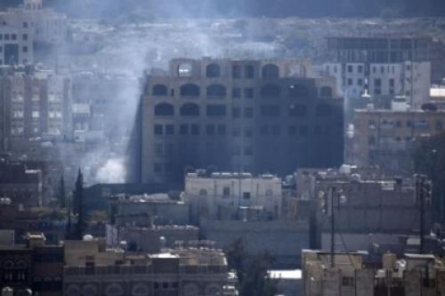 استشهاد 7 عمال في قصف مليشيا الحوثي لمشروع أبقار بالحديدة