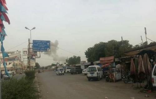 مليشيا الحوثي تقصف منازل المواطنين بالدريهمي