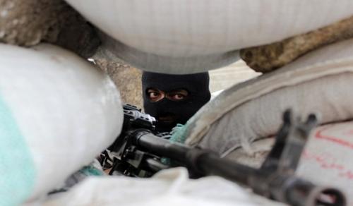 استشهاد مواطن واصابة آخر برصاص قناصة مليشيا الحوثي في تعز
