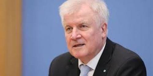 وزير ألماني يعلن التوصل لاتفاق مع إيطاليا بشأن إعادة  اللاجئين