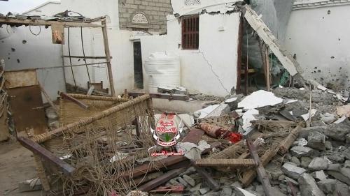 شاهد.. مليشيا الحوثي تسعى لتدمير معالم الحياة بالحديدة