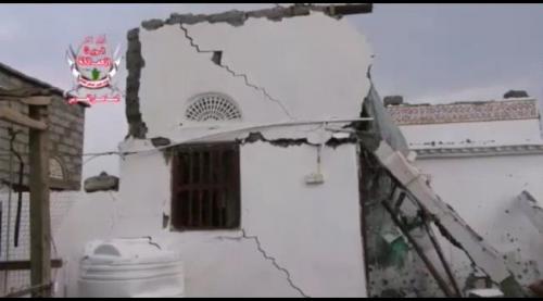 شاهد بالفيديو.. مليشيات الحوثي تقصف منازل التحيتا على رؤوس الأهالي