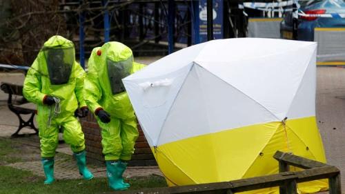 الشرطة البريطانية تحتجز خبيرا كيميائيا انتقد رواية لندن بشأن تسميم سكريبال