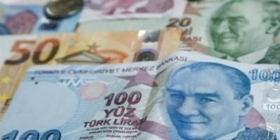 الليرة التركية تهوي مجدداً بعد رفع أسعار الفائدة