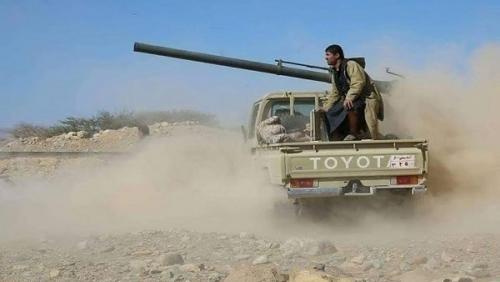 قصف لتعزيزات المليشيات الحوثية بتعز