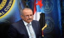 عضو بالانتقالي الجنوبي ردا على تعليق العمل بالزي المدرسي: الحكومة تُصر على تخلف اليمن