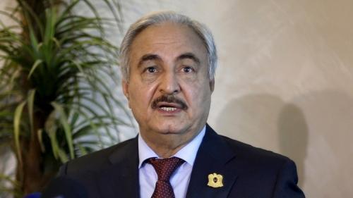 حفتر: قطر تقف وراء مخطط إثارة الفتنة مع الجزائر