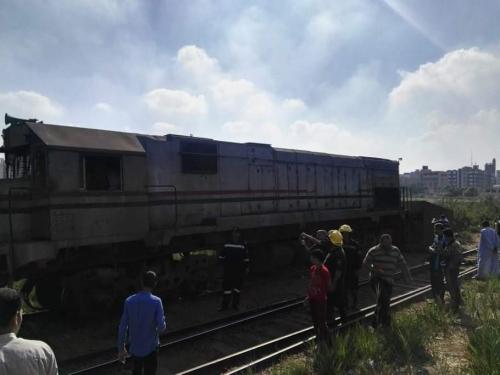 بالصور.. إصابة 12 مصريا في حادث قطار