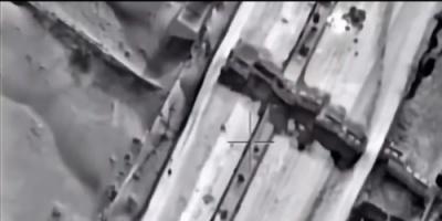 شاهد لقطات جوية لإحراق ميليشيا الحوثي محطة وقود ومستودعا إغاثيا في الكيلو 16