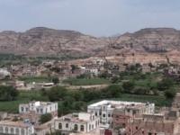 """القاعدة تحتجز 13 موظفاً في منظمة دولية على الطريق الى صنعاء """" حصري """""""