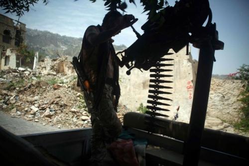 العرب اللندنية: إخوان اليمن يوجهون سلاح الدولة إلى صدور مسؤوليها