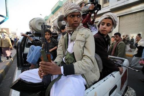 منظمة حقوقية: ثلث عناصر الميليشيات الحوثية من الأطفال