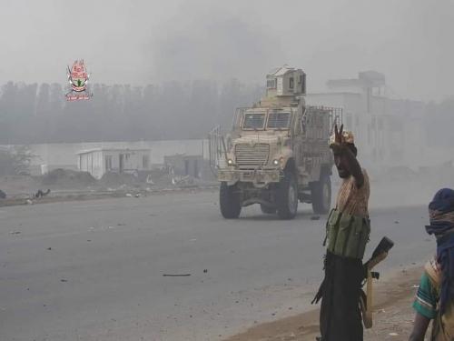 """العمالقة  تُدمر صواريخ """"كورنيت"""" وأخرى حرارية للحوثيين في الحديدة"""