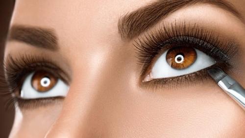 تحذير للسعوديات.. لا تتجمّلن بهذه الأنواع من كحل العيون