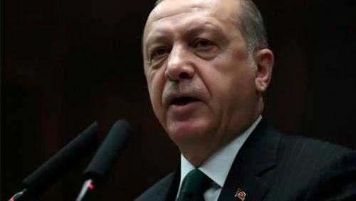 تراجع ثقة المستهلك التركي إلى أدنى مستوى بسبب نفوذ أردوغان على السياسة النقدية