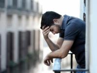 ما العلاقة بين الاكتئاب والإصابة بالتهاب المفاصل؟