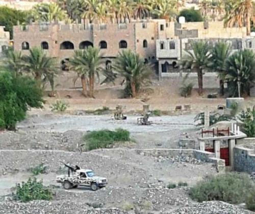 القضاء على عنصر بارز بتنظيم القاعدة في عتق.. والقبض على آخرين