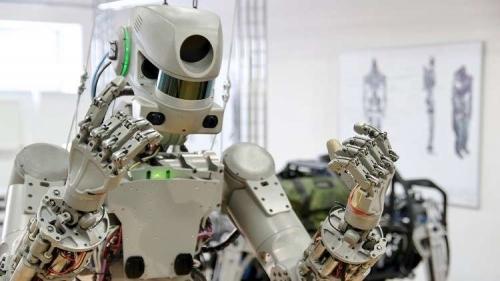 """الروبوت الروسي """"فيودور"""" يستعد لرحلة الفضاء"""