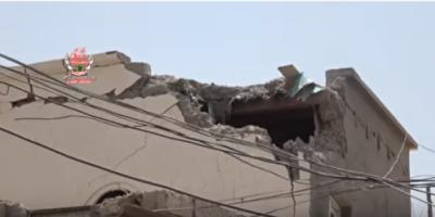 شاهد بالفيديو.. مليشيات الحوثي تقصف مدينة التحيتا بقذائف الهاون