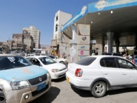 محطات الوقود بصنعاء تحاصرها الفوضى بسبب الازدحام