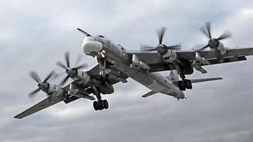 """القوات الجوية الروسية تتسلم طائرة """"تو-95 إم إس"""" المطورة"""