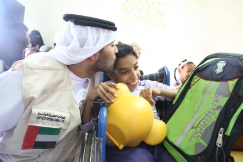 تعرف على الدعم الذي قدمه الهلال الإماراتي لجمعية الطموح لرعاية المعاقات  بالمكلا ( صور)