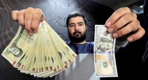 الريال الإيراني يواصل هبوطه.. و12% خسائر مقابل الدولار