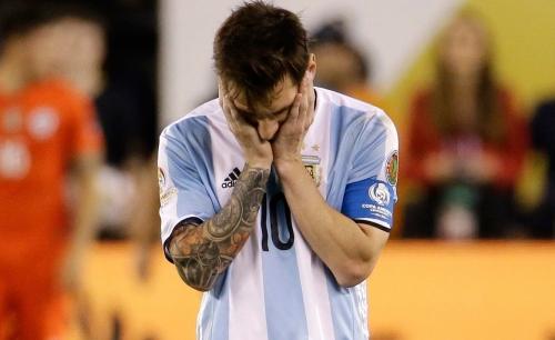 رئيس الاتحاد الأرجنتيني يحسم موقف ميسي من التانجو