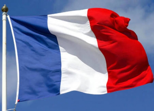 فرنسا تحقق  في فيديو لمغنى راب يدعو لقتل البيض