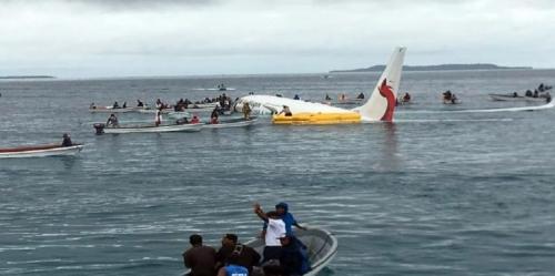 طائرة تسقط في المحيط الهادئ.. ما مصير ركابها؟