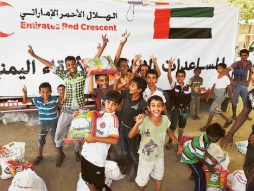 112 ألف مواطن يستفيدون من مساعدات الهلال الأحمر الإماراتي