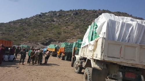 مركز  سلمان للإغاثة يدشن توزيع 2500 سلة غذائية ضمن حملته العاجلة لمديرية الأزارق