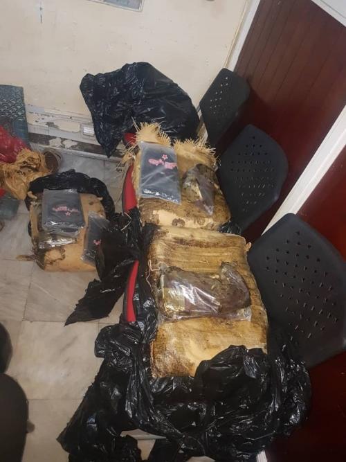 الشرطة النسائية بعدن تحبط محاولة تهريب 99 كيلو جرام من الحشيش