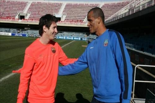 ريفالد يحذر برشلونة من الاعتماد على ميسي