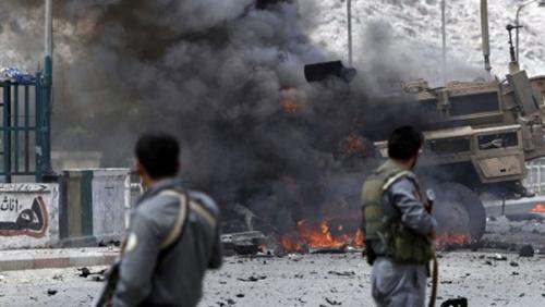 مقتل 13 في هجوم انتحاري وسط تجمع انتخابي بشرق أفغانستان