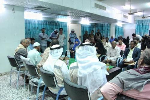 ممثل الهلال الإماراتي يشارك في لقاء جمع المنظمات الدولية في أبين
