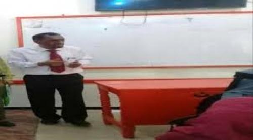 جامعة عدن تدشن أول محاضرة لطلاب الدراسات العليا مباشرة على الإنترنت