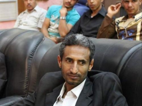 عصابة تعتدي على صحفي بتعز.. والاتهامات تلاحق الإصلاح