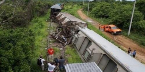 تصادم قطارين بجنوب أفريقيا.. والإصابات بالمئات