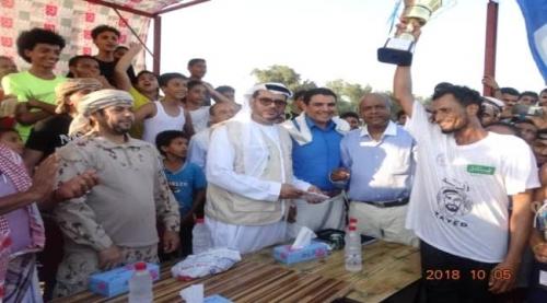 بالأسماء.. نتائج بطولة عدن الرابعة للسباحة برعاية الهلال الأحمر الإماراتي «شاهد»