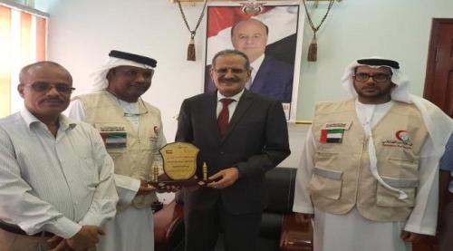 تدشين مشروع الزي المدرسي في 5 محافظات بدعم الهلال الإماراتي
