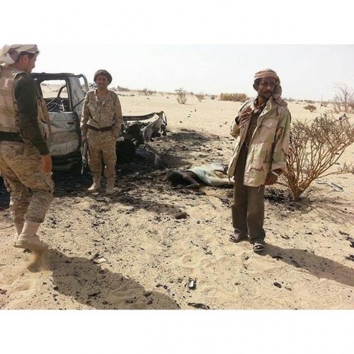 مقتل قيادي حوثي وإصابة22 آخرين بتعز