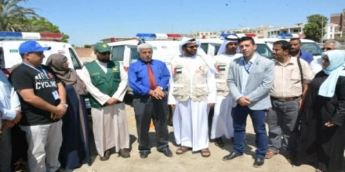 سبع سيارات إسعاف.. منحة سعودية إماراتية جديدة لقطاع الصحة بعدن