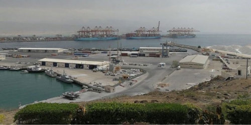 تعطل الدراسة وتوقف العمل بميناء صلالة في عمان.. لهذا السبب