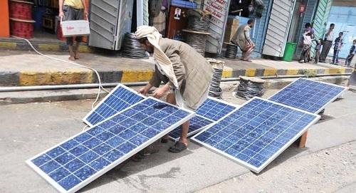 """ميليشيا الحوثي  تفرض على المزارعين """"ضريبة الشمس"""""""