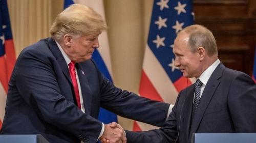 لقاء محتمل بين بوتين وترامب في باريس قريباً