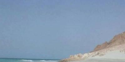 وصول العاصفة لبان سواحل أرخبيل سقطري