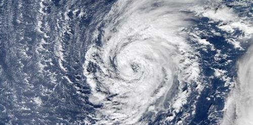 الأرصاد المغربية: الإعصار ليزلي بعيد عن المملكة